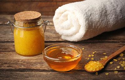 Bienfaits du miel sur le visage - Fromagerie Narbief-Bizot